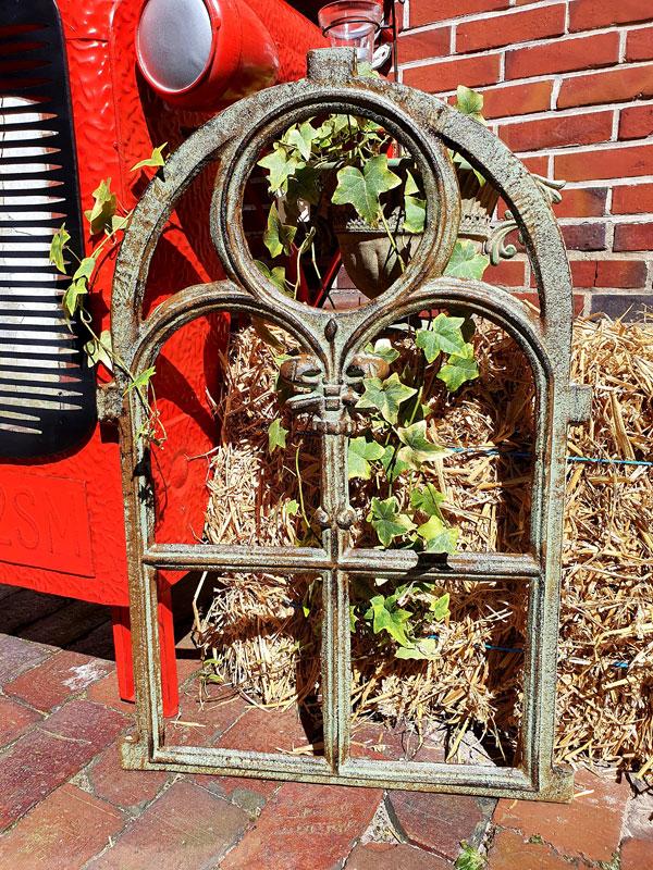 Antikfenster Ruine Gartenmauer