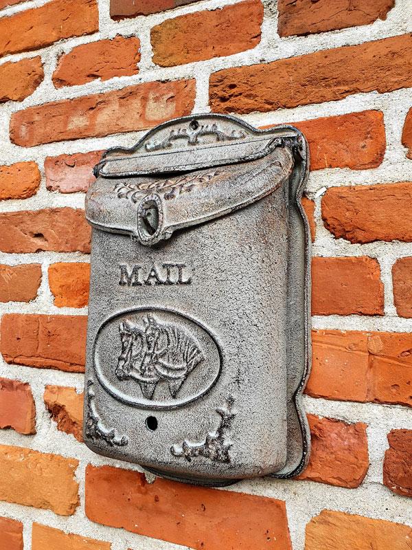 """Briefkasten Gusseisen """"Pferde"""" graue Antiklackierung """"Mail"""""""