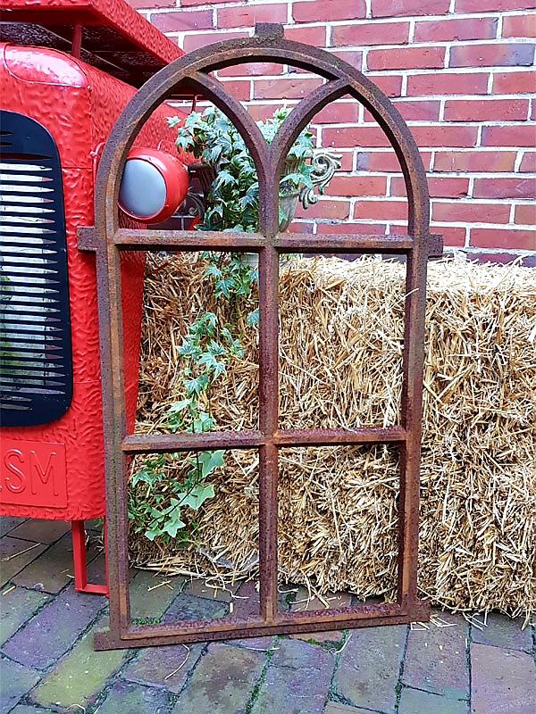 Gusseisenfenster Gartendeko