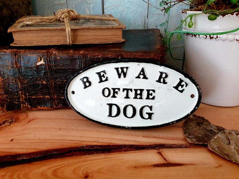 """Antik wirkendes Schild """"Beware of the Dog"""" Gusseisen"""