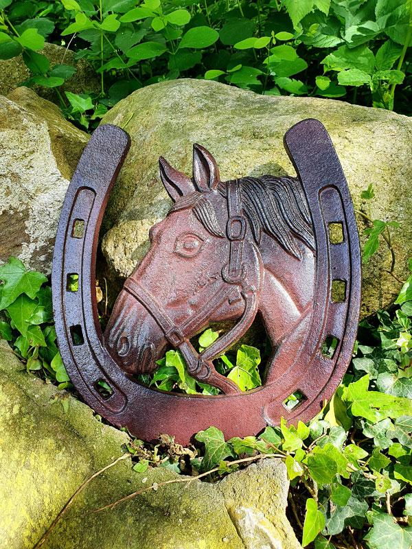 Großes Deko Hufeisen mit Pferd Gusseisen